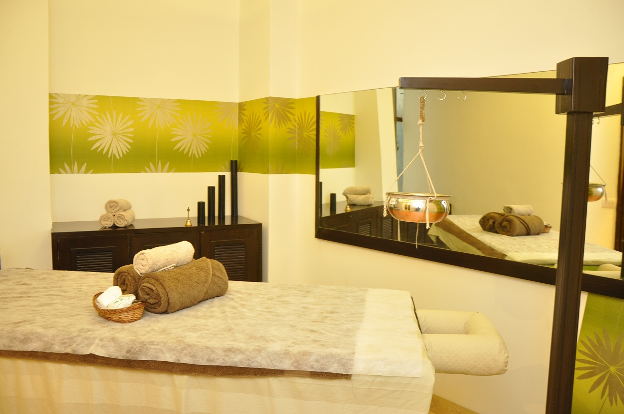 Hotel Green Castle-day-spa-couples-treatment-room